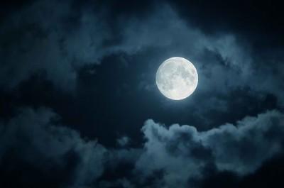 Full-Moon-e1406929374981